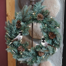 "18"" Wreath with 2 Chickadee Ornaments"