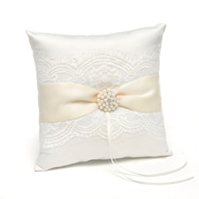 Splendid Elegance Ring Pillow